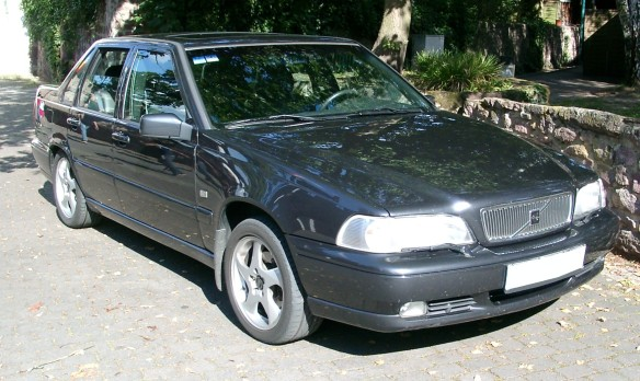 Volvo_S70_front_20070823